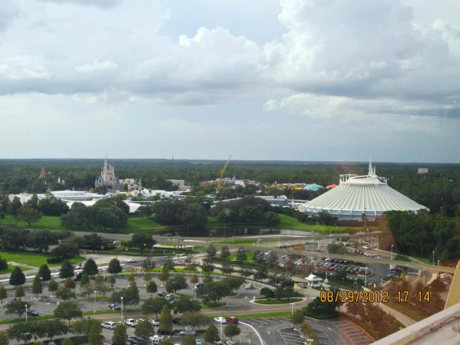 A little more zoomed in. You can still see the cranes for New Fantasyland construction.